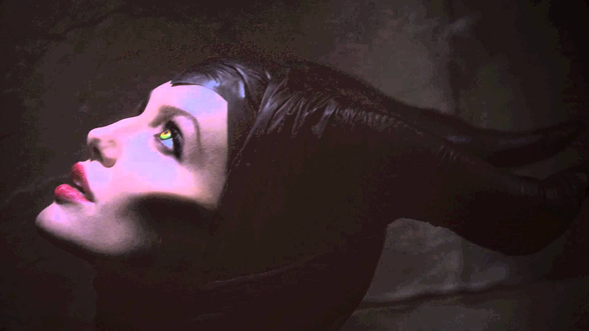 Agelina Jolie Maleficent Disney Sleeping Beauty Šípková Růženka