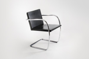 Brno Chair flat bar by Mies van der Rohe 2