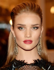 rosie-huntington-whiteley-makeup-2013-met-gala