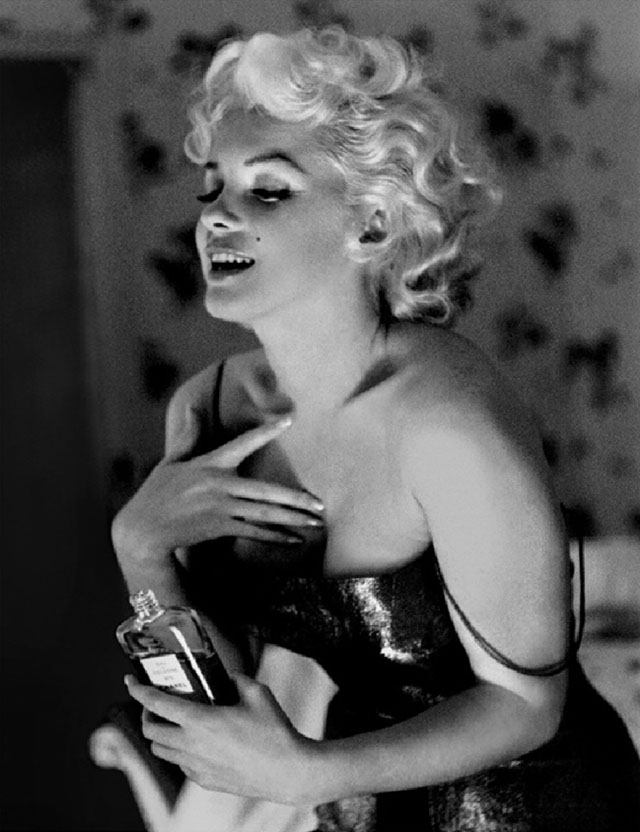 marilyn-monroe-chanel-no5-perfume