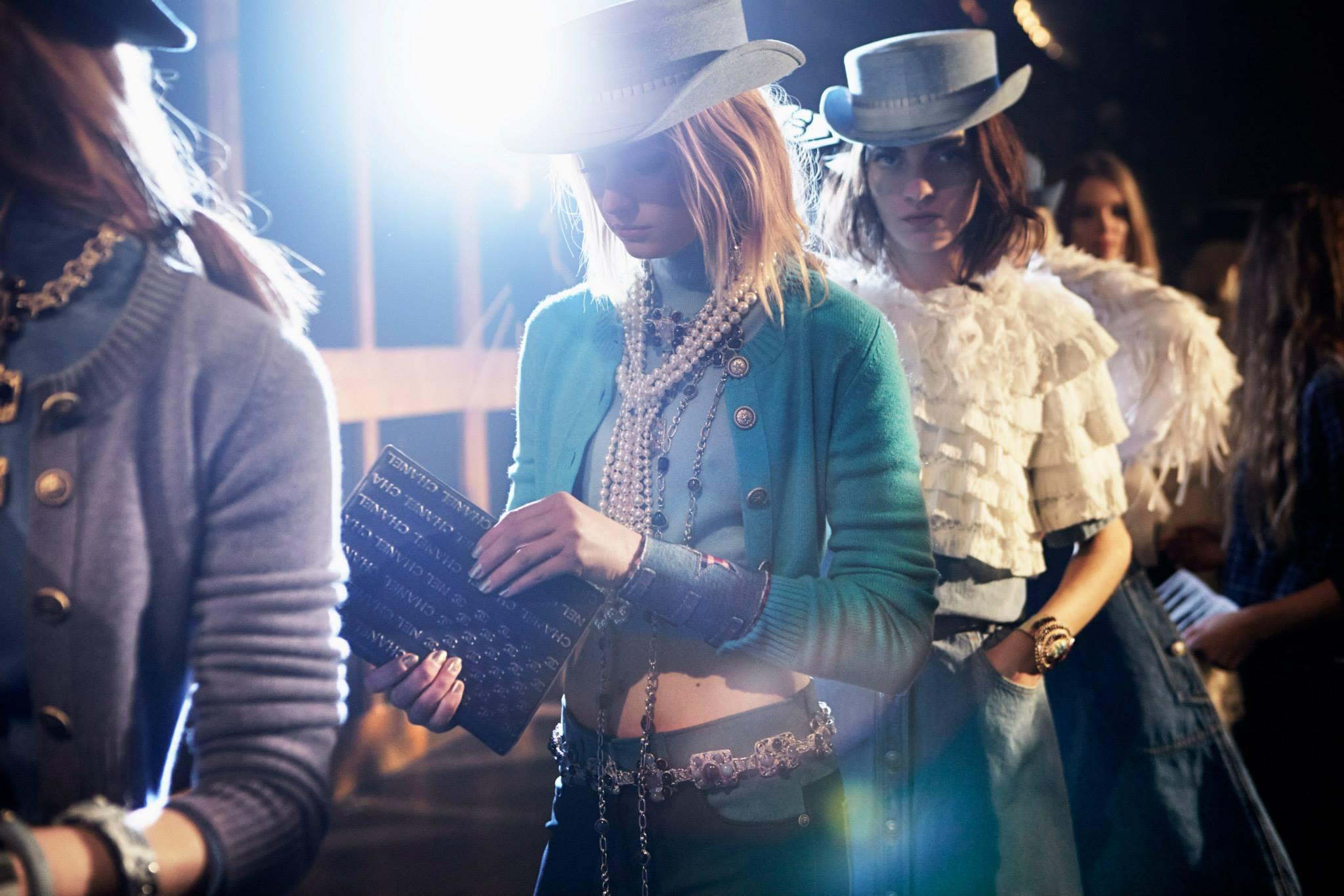 Chanel Paris Dallas Show 2013/14 Lagerfeld, cowboy wild west cancan