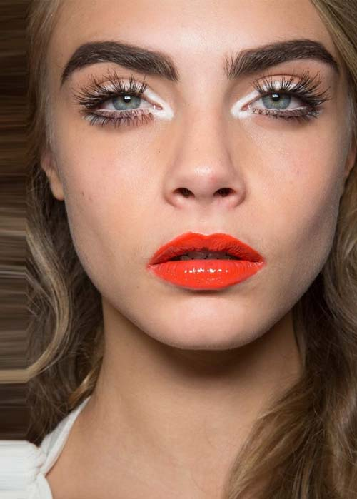 style-decorum-cara-delevingne-bright-lips-summer-trend-orange1