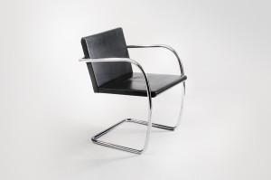 Brno Chair flat bar by Mies van der Rohe 2