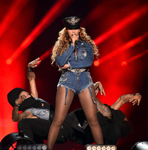 Beyonce and Jay-Z - On The Run Tour 8