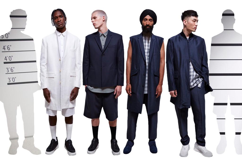 Vycházející hvězdy streetwearové scény, Dao-Yi Chow a Maxwell Osborne, mají na svědomí značku Public School. Rozhodli se pro prezentaci svých modelů formou performance v pomyslné policejní stanici. Styloví podezřelí z blíže nespecifikovaného kriminálního činu na sobě měli kvalitní, a hlavně nositelné oblečení s nádechem normcore. Že by byli odsouzeni za svůj dokonalý vzhled?