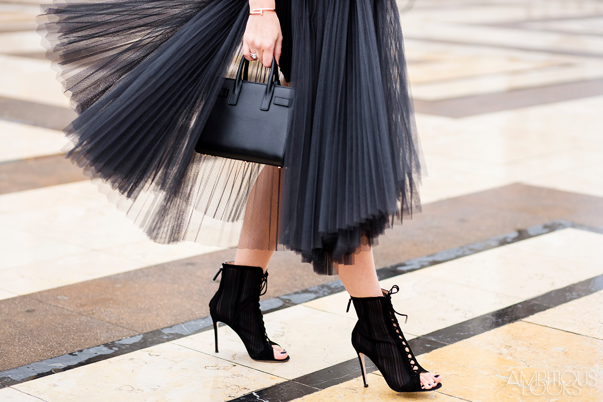 PFW-Haute-Couture-Elie-Saab-Street-Style-Ambitious-Looks-by-Ylenia-Cuellar-1-black-tulle-skirt