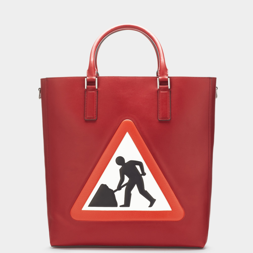 ebury-mens-tote-men-at-work-in-red-circus-1-2