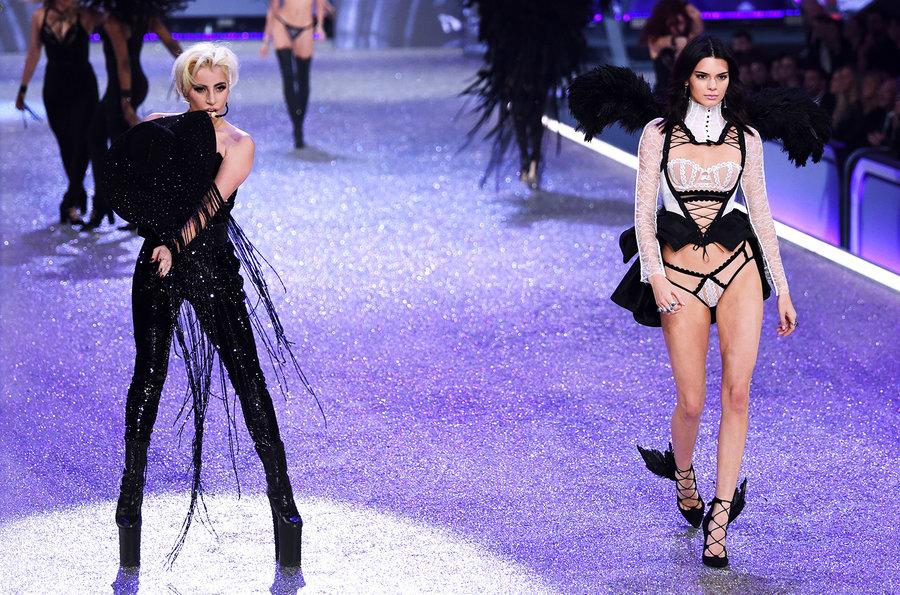 03-lady-gaga-jenner-show-a-2016-victorias-secret-fashion-show-nov-billboard-1548