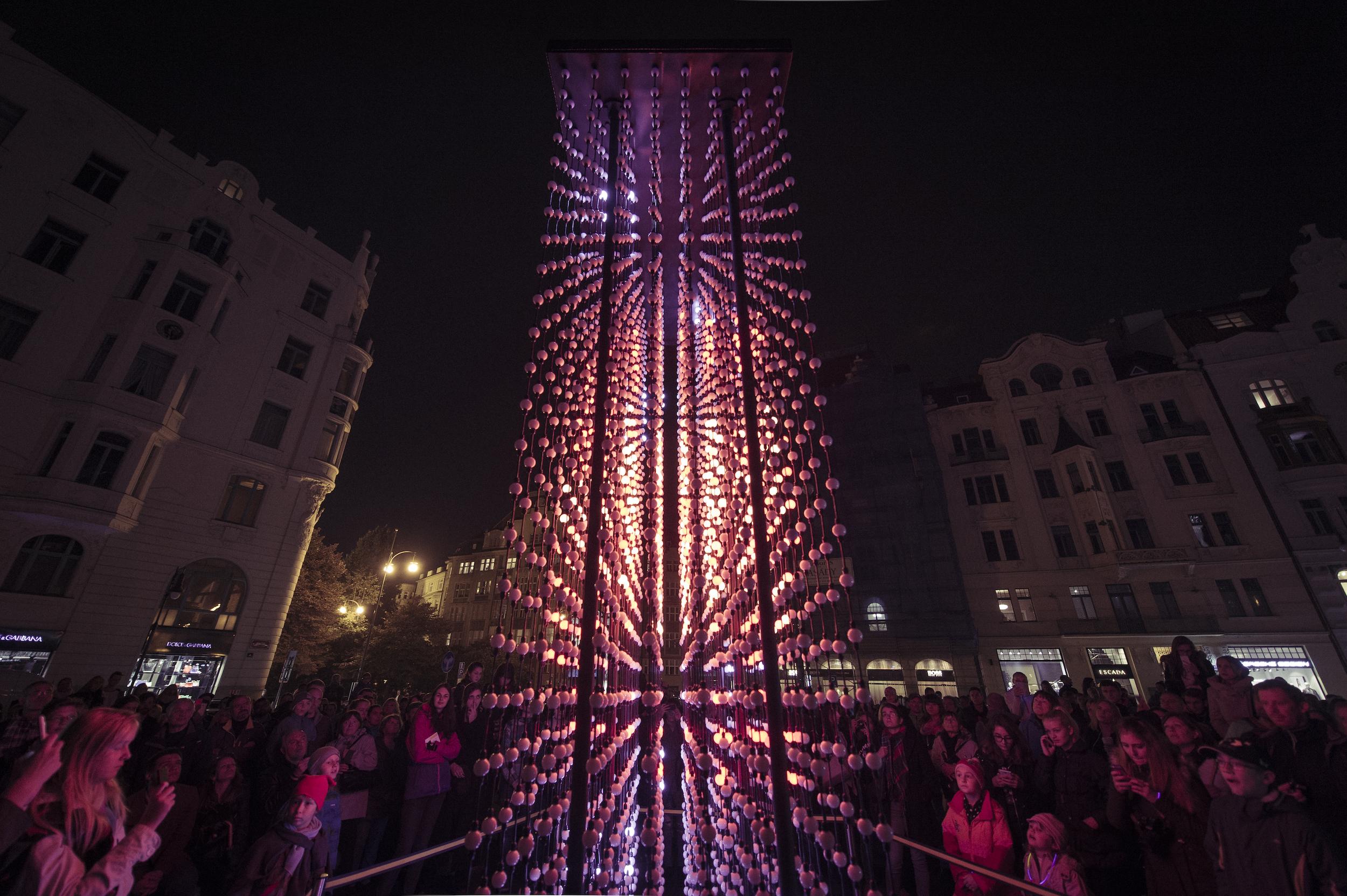 monolith-powered-by-mercedes_benz_hyperbinary_photocredit_alexander_dobrovodsky